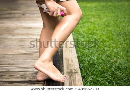 mulher · alívio · spray · pé · baixo · seção - foto stock © andreypopov