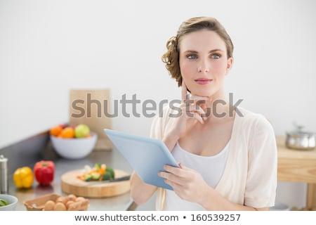 женщину · кухне · черную · женщину · современных - Сток-фото © wavebreak_media