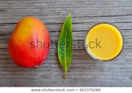 Mango bladeren oude houten achtergrond groene Stockfoto © galitskaya