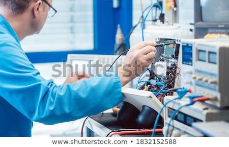 Elektronika mérnök hardver termék férfi teszt Stock fotó © Kzenon