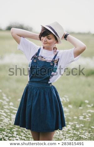 gyönyörű · nő · fürdőköpeny · rövid · frizura · ágy · ház - stock fotó © bartekwardziak