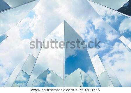 Wolk hemel reflectie spiegel gebouw kantoorgebouw Stockfoto © tungphoto