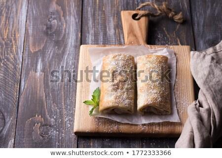 Muz tarçın tortilla vanilya krem kahvaltı Stok fotoğraf © Peteer