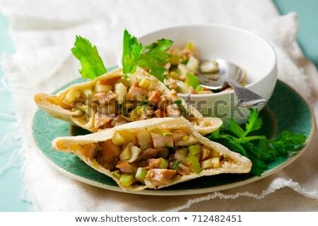 Pide hardal tavuk odak yeşil salata Stok fotoğraf © zoryanchik