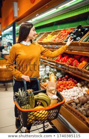 mulher · mercearia · cesta · jovem · sorrindo - foto stock © monkey_business