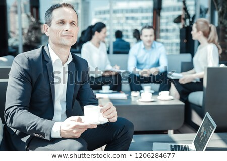 koffiepauze · gelukkig · glimlachend · kantoor · glimlach - stockfoto © wavebreak_media