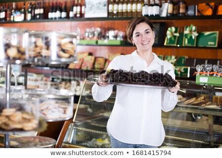 Donna offrendo vassoio felice alimentare Foto d'archivio © Kzenon