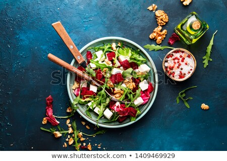 salade · betterave · noix · fromages - photo stock © YuliyaGontar