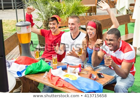 Grupo francês assistindo jogo de futebol mulher homem Foto stock © photography33