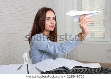 Foto stock: Empresária · papel · feliz · jovem · avião · de · papel