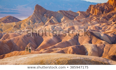 Turystyka śmierci dolinie wygaśnięcia rock Błękitne niebo Zdjęcia stock © rmbarricarte