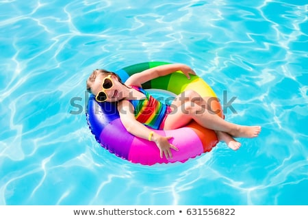 glimlachend · meisjes · vergadering · zwembad · zomer · groep - stockfoto © paha_l