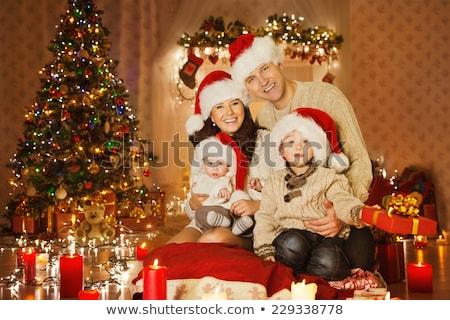 baba · oturma · odası · Noel · asılı · çelenk - stok fotoğraf © dashapetrenko