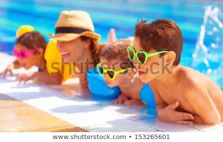 幸せ · 友達 · スイミングプール · グループ · ドリンク - ストックフォト © lopolo