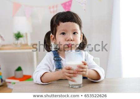 genç · öğrenci · kız · içmek · süt · kahvaltı - stok fotoğraf © CandyboxPhoto