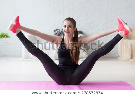 menina · abrir · em · bonitinho · mulher · jovem - foto stock © carlodapino