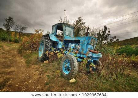 verlaten · boerderij · oude · gebroken · agrarisch · machines - stockfoto © goce
