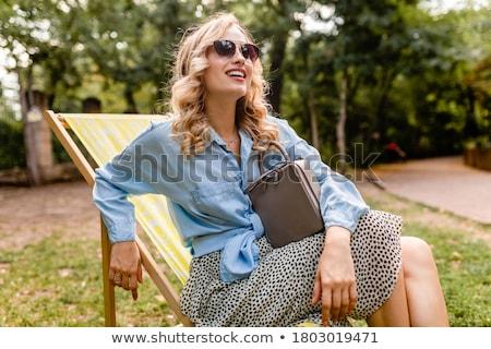 Rire jeune femme sac à main jeunes dame femme Photo stock © majdansky
