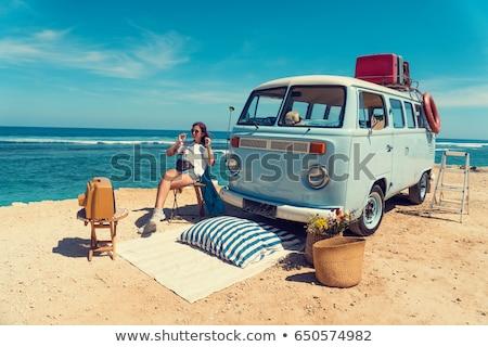 Lány régi autó autó nők modell szabadság Stock fotó © Massonforstock