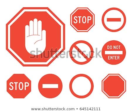 sinal · de · parada · vermelho · mão · isolado · branco · estrada - foto stock © kyryloff