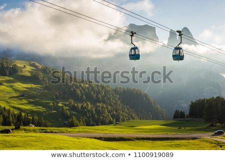 Bergen vallei zon wijzend gras Italië Stockfoto © frimufilms