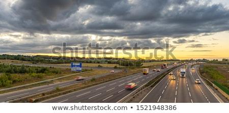 Egyesült Királyság autópálya tábla zöld felhő utca felirat Stock fotó © kbuntu