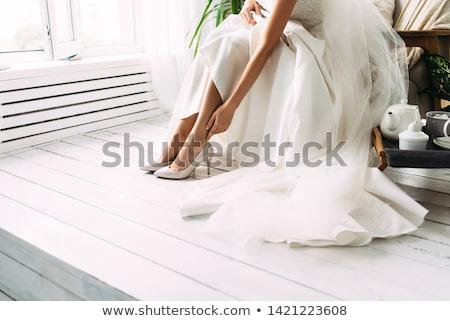 glimlachend · bruid · steeg · boeket · prachtig · jonge - stockfoto © tiero