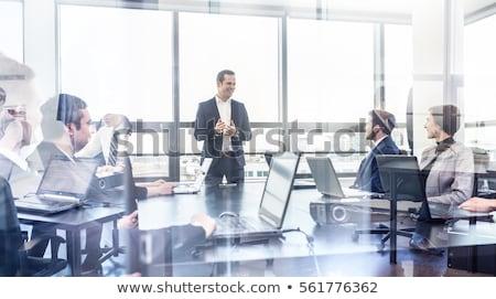 idős · üzlet · menedzser · áll · elöl · csapat - stock fotó © kzenon