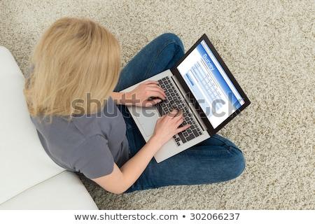 Nő laptop tömés felmérés űrlap közelkép Stock fotó © AndreyPopov