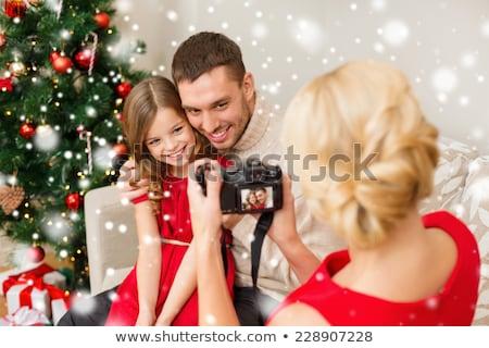 Familie · präsentiert · Porträt · froh · Geschenke · Sitzung - stock foto © monkey_business