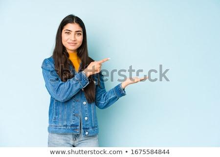 Jovem indiano mulher produto abrir Foto stock © bmonteny