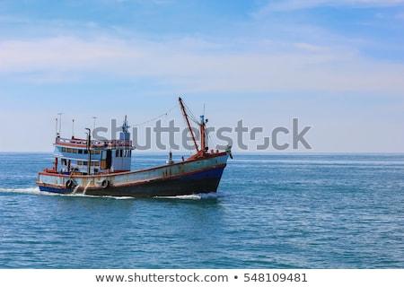 oude · vissersboot · rivier · wal · strand · zee - stockfoto © tracer