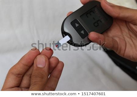 arts · testen · bloeddruk · asian · amerikaanse · mannelijke · arts - stockfoto © andreypopov