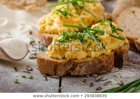 Roereieren brood plakje voedsel hout ontbijt Stockfoto © Digifoodstock