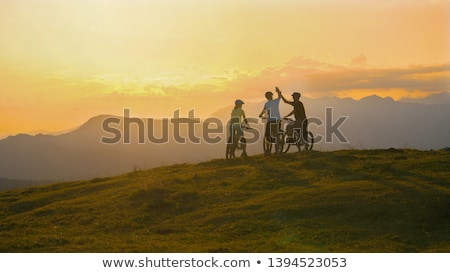 Hegy motoros siker lovaglás bicikli ünnepel Stock fotó © blasbike