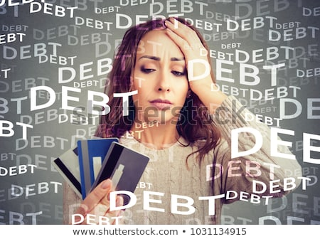 Nő néz sok hitelkártyák ijedt hatalmas Stock fotó © ichiosea