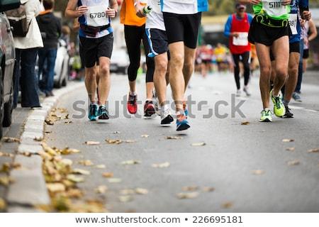 Maraton uruchomiony wyścigu ludzi stóp jesienią Zdjęcia stock © matimix