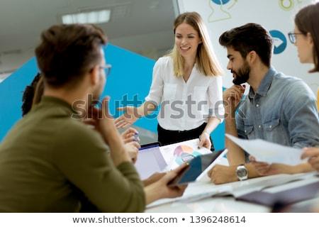 Joli Homme chef d'équipe parler métis groupe Photo stock © boggy