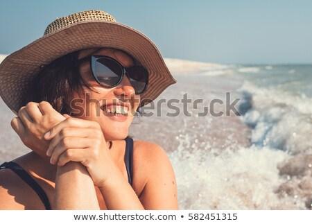 синий · цвета · морем · Солнцезащитные · очки · песок · Focus - Сток-фото © fotorobs