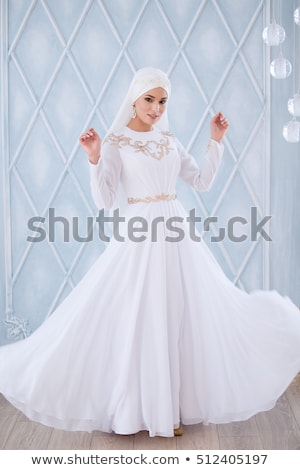 portret · mooie · bruid · trouwjurk · vergadering - stockfoto © Victoria_Andreas