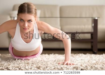 jonge · vrouw · triceps · oefening · cute · fitness - stockfoto © boggy