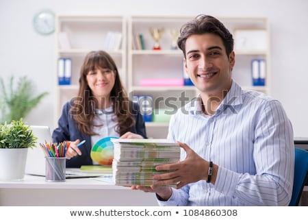 Bespreken boek om klant uitgever business Stockfoto © Elnur
