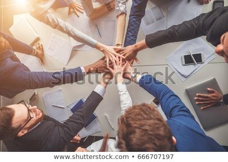 Zdjęcia stock: Udany · zespół · firmy · pracy · biuro · laptop · biznesmen