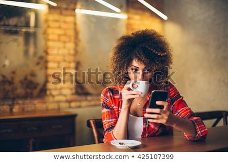 Vonzó nő olvas szöveges üzenet vonzó szexi fiatal nő Stock fotó © dash