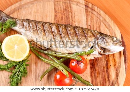 Grillowany pstrąg mieszany warzyw serwowane ryb Zdjęcia stock © Digifoodstock