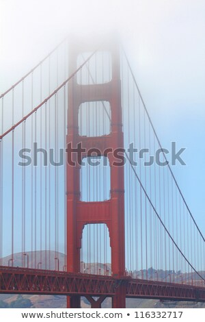 Dente névoa Golden Gate Bridge San Francisco Califórnia EUA Foto stock © yhelfman
