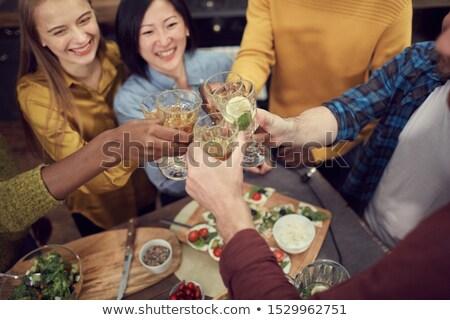 portret · glimlachend · vrienden · bier · vergadering · discotheek - stockfoto © wavebreak_media