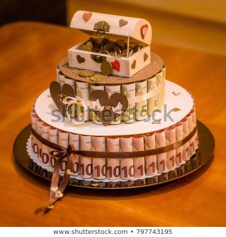 Esküvői torta pénz kincsesláda papír szeretet szív Stock fotó © ruslanshramko