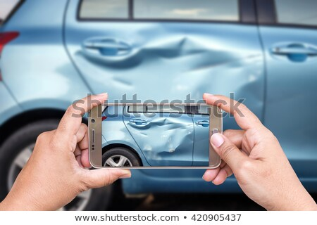 Man smartphone kapotte auto weg reis Stockfoto © dolgachov
