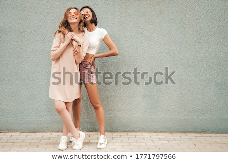 perfecto · de · moda · dama · gafas · de · sol · cara - foto stock © neonshot